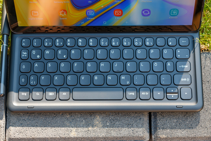 A look at the Tab S4's optional keyboard