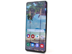 The Samsung Galaxy S10 (SM-G973) smartphone review. Test device courtesy of notebooksbilliger.de.