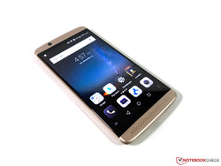 In review: ZTE Axon 7 Mini. Test model courtesy of Notebooksbilliger.